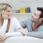 Партньорите от една щастлива връзка разговарят