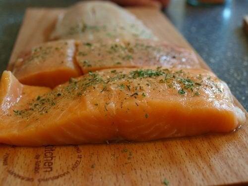 Специалистите препоръчват рибата да присъства редовно в менюто ни.