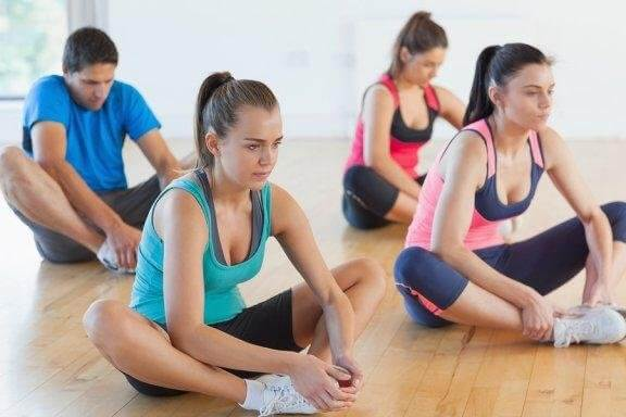 Три стречинг упражнения за подобряване на гъвкавостта на краката