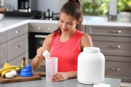 Примайте в правилните дози всяка една напитка, съдържаща протеини.