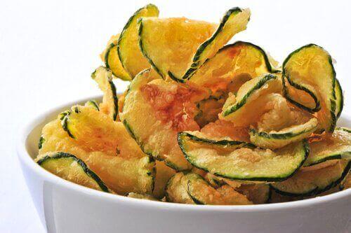 Три лесни начина за приготвянето на зеленчуков чипс