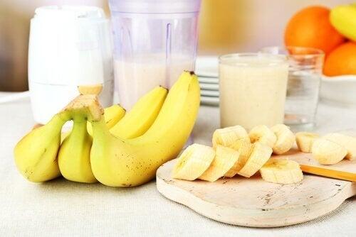 Банани нарязани, цели и на сок