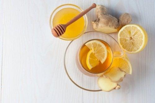 Чай от джинджифил за лечение на кашлицата