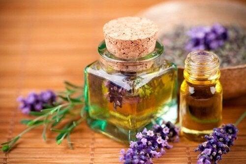 Използвайте лавандуловото масло за приятно ухаещ дом.