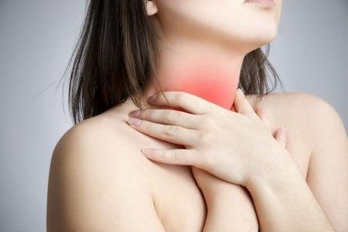 Възли на гласните струни: напрежение на мускулите на шията