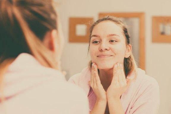 Пет съвета за правилно почистване на кожата