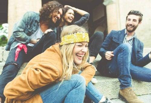 Верните приятели ви зареждат с положителни емоции.