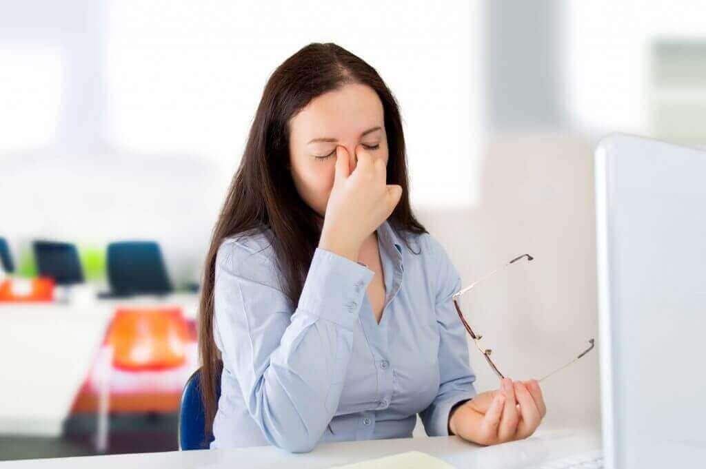 Замъгленото зрение се свързва с редица заболявания.