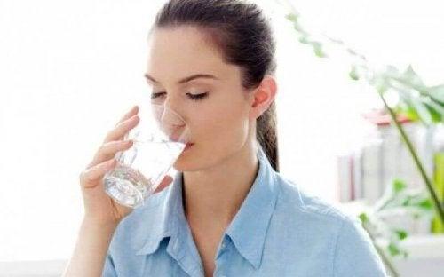 Нерядко силната жажда свидетелства за повишено ниво на кръвната захар.