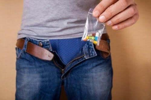 Наркотиците и еректилната дисфункция: има ли връзка между тях?