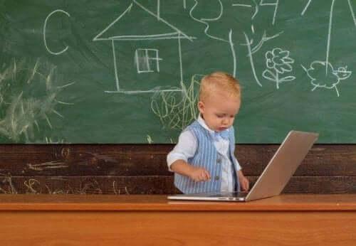 Какво представлява WISC тестът и за кои деца е предназначен?