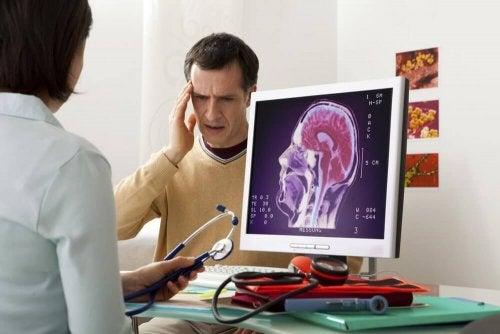 Една от причините за често срещаното главоболие е стресът.