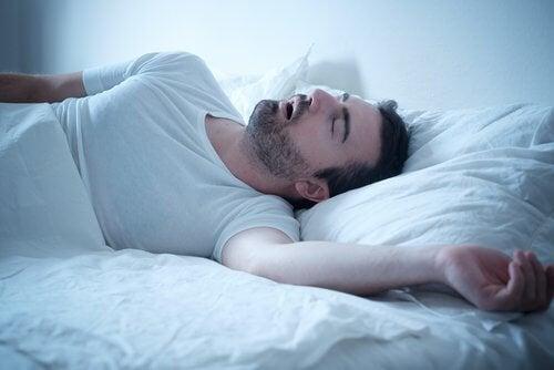 Хъркането е един от най-честите звуци издавани от тялото, които не трябва да пренебрегваме.