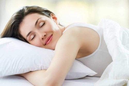 Спането в правилна поза е изключително важно за здравето.