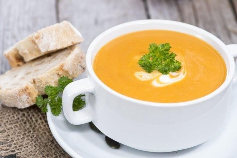 Коя зеленчукова крем супа е най-здравословна?