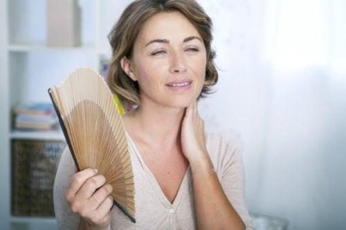 Ранната менопауза е свързана с редица неприятни симптоми.