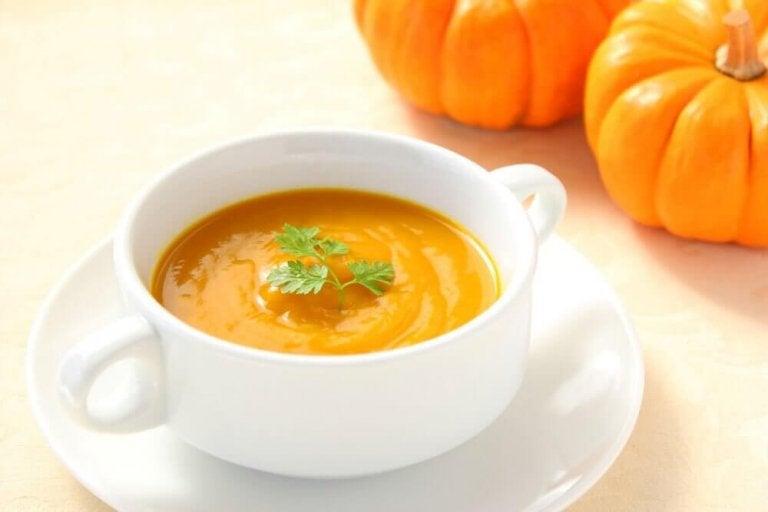 Крем супа от тиква: 3 вкусни домашни рецепти