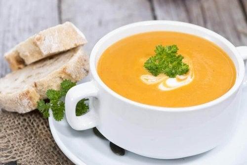 Крем супа от тиква: вегетарианска в купичка