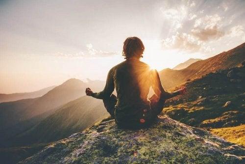 Изненадвайте се и изпълнете живота си с положителна енергия.