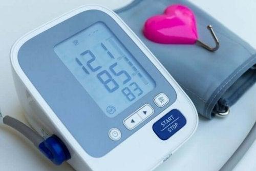 Контролирайте кръвното си налягане като се разхождате редовно.