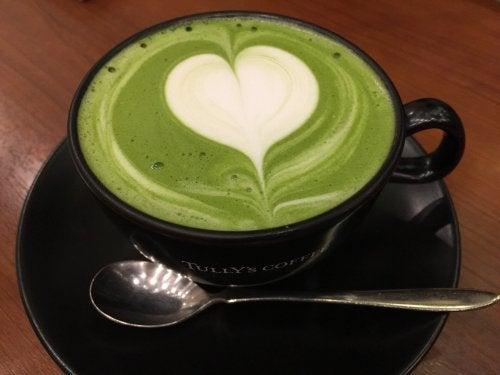 Чаша зелен чай