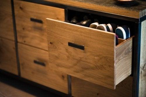 Декорации с кутии: органайзер за бельо