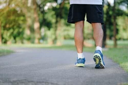 Осем ползи от вървенето пеша