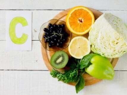 За подсилване на имунната система: витамин С