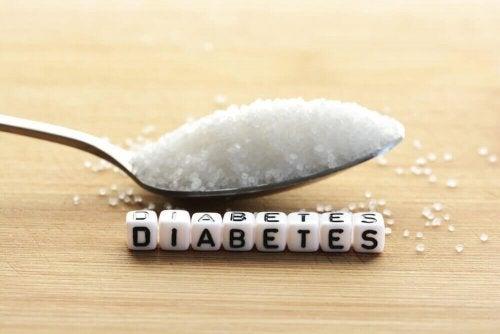 Една лъжица захар и надпис на английски език, диабет