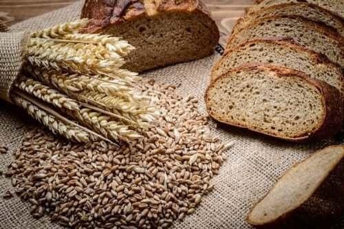 Как да си приготвите домашен хляб с ръж и спелта