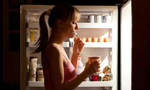 6 храни, които не трябва да ядете вечер