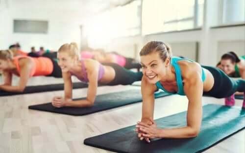 Опитайте упражнението планк за перфектен корем