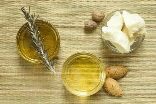 За хидратиране на кожата: бадемово масло и свинска мас