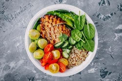 Три здравословни рецепти за вечеря съдържащи под 300 калории