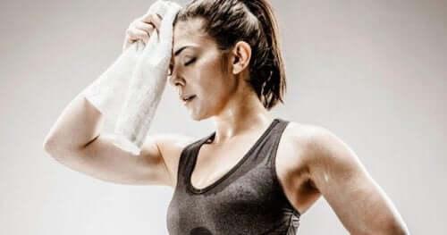 Кожна кандидоза: една жена след тренировка