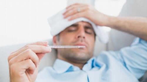 Болен с висока температура