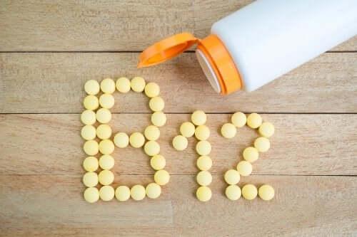 Снимка на надпис Витамин Б12