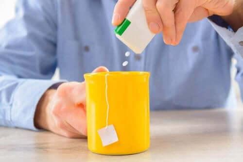 Можете да подслаждате напитките си със стевия.