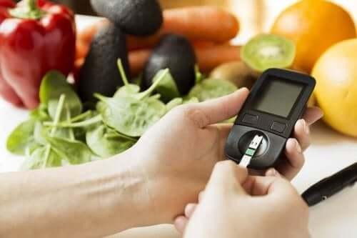 Нивото на кръвната захар е по-високо при хората с диабет.