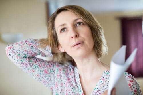 Горещи вълни през менопаузата: как да се справите с тях