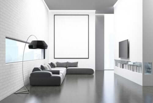 Минимализмът: снимка на всекидневна стая, подредена в този стил