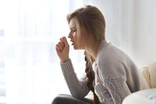 Първични и вторични главоболия при кашлица