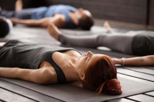 Хора, които правят йога