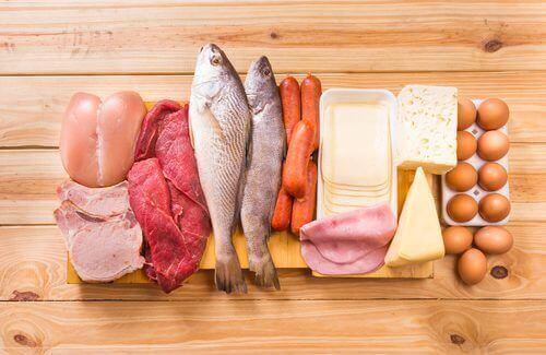 Храни без глутен: риба и различни водове месо