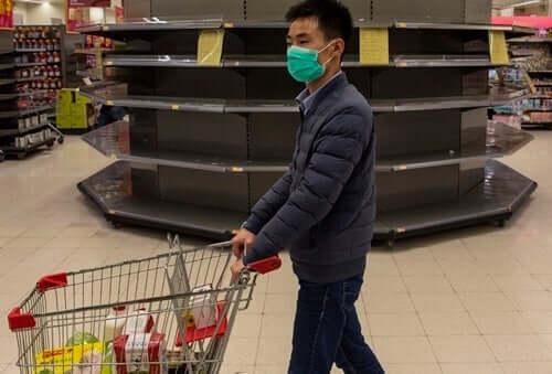 Паниката за пазаруване и коронавируса – какво казва психологията по темата?