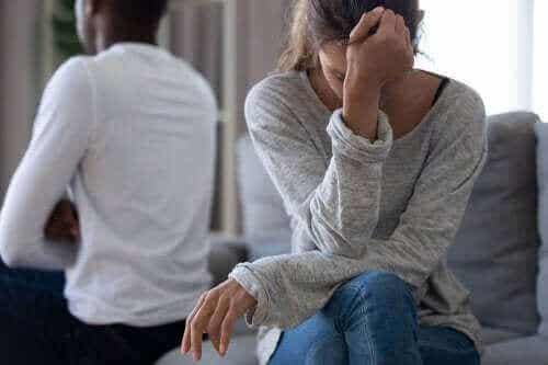Как да възстановите самочувствието си след раздяла