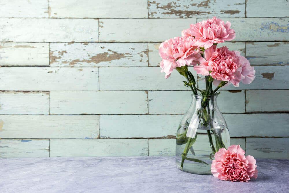 Три бързи начина за почистване на стъклени вази