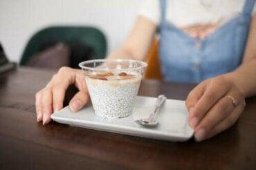6 здравословни закуски подходящи за работа