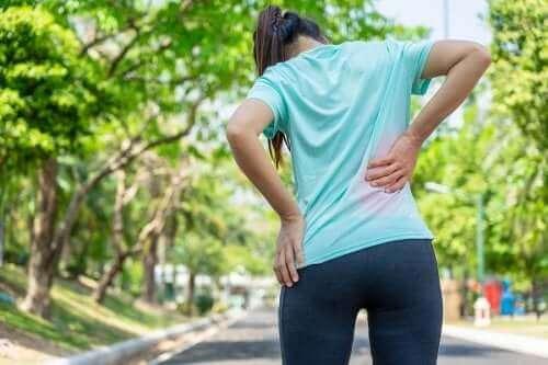 Три научно доказани упражнения при болка в долната част на гърба