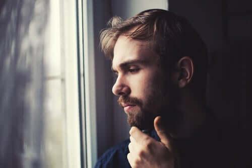 Да прекарате изолацията сами у дома: начини за справяне